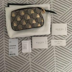 0c59a658703 Gucci Bags - Gucci Linea A GG Supreme Bee Key Card Case